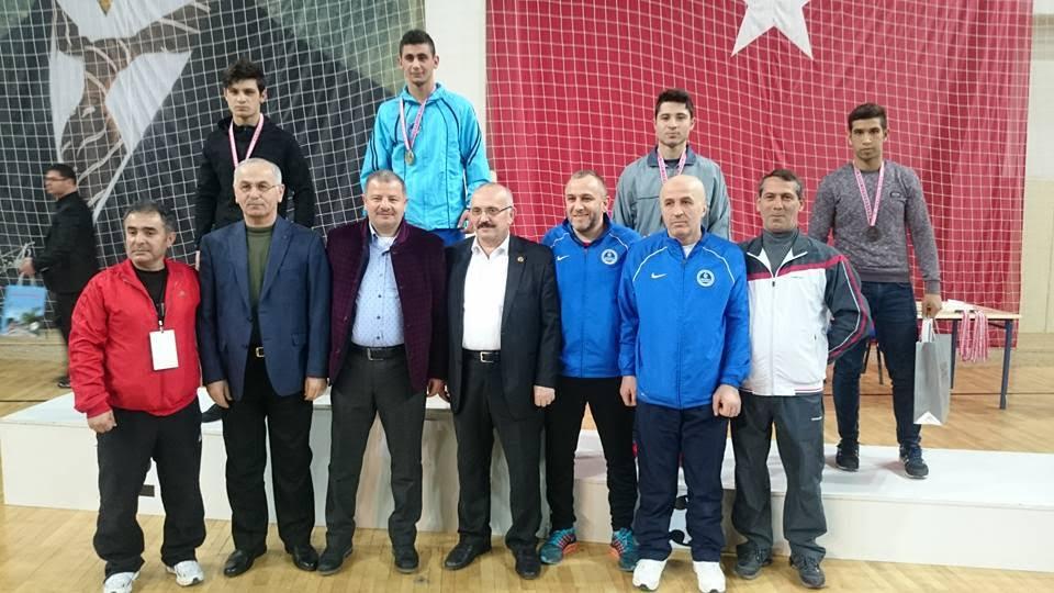 3 Türkiye derecesi kazandı