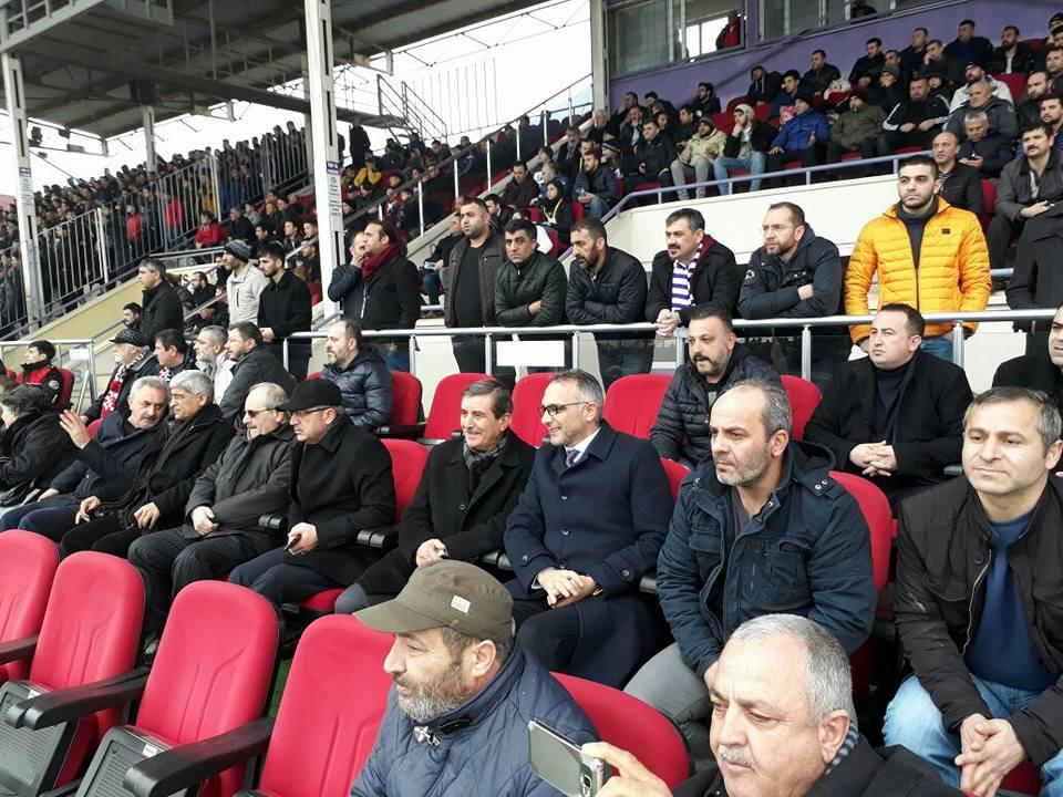 Başkanlar sahada! Referandum Gebzespor'a yaradı!