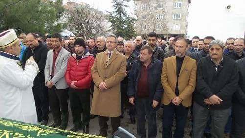 Başkan Köşker Güleryüz'ün acı gününde yanında yer aldı