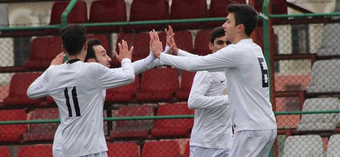 İzmit FK, Zabıtan'ı geçti