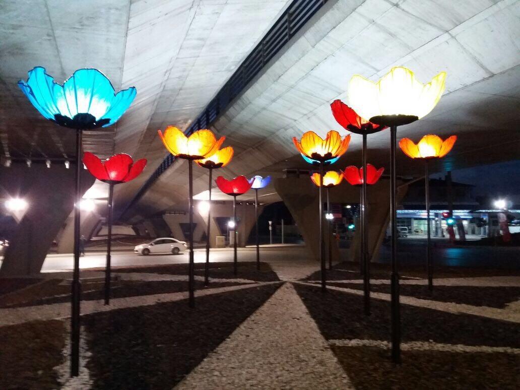 Gebze'de gelincik motifli aydınlatmalar