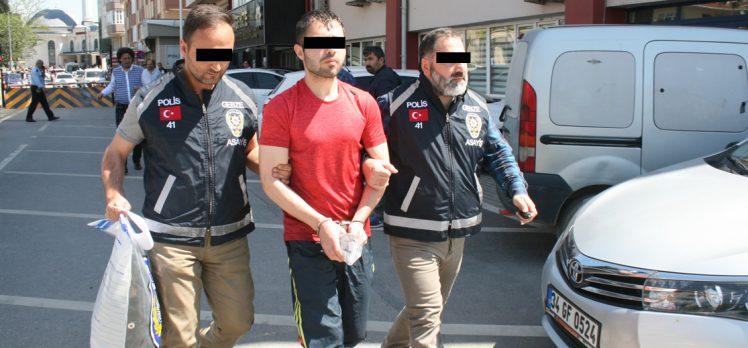 Silahlı soyguncu yakalandı