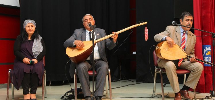 GKM'de şiir ve türkü gecesi