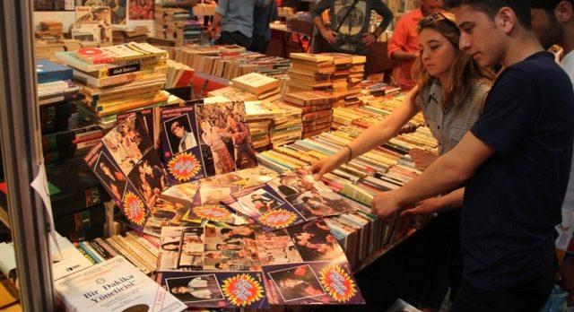 Kitap Fuarında eski kitaplar da sergilenecek!