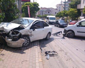 İki Araç Çarpıştı: 1 Yaralı!