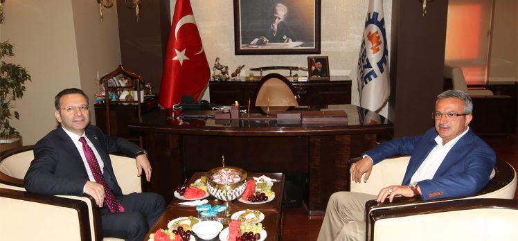 Vali Aksoy Başkan Köşker'e Konuk Oldu