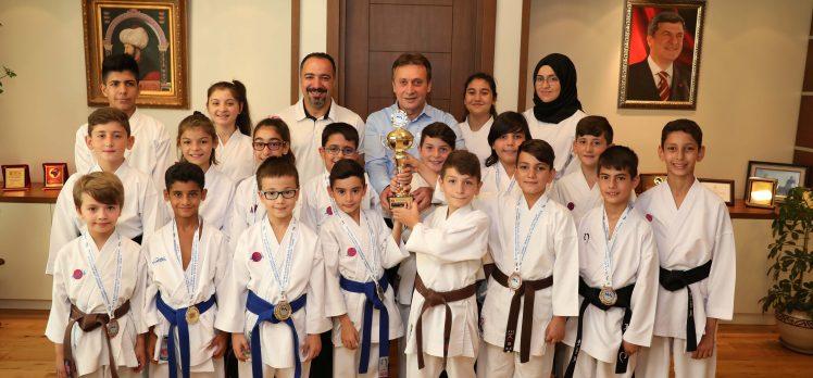 Çayırova Belediyesi Eğitim Spor Kulübü Başarıya Doymuyor
