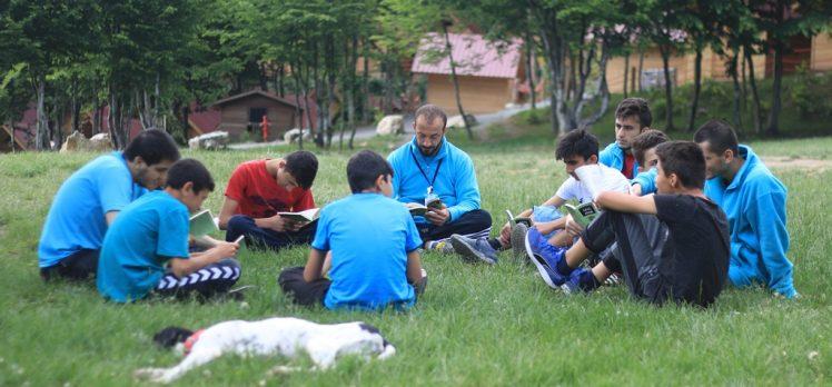 Diriliş Kampı'nın Okuyan Liderleri