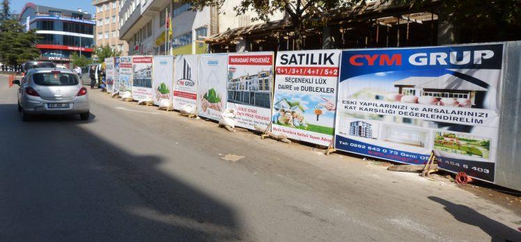 Gebze'de İnşaat Yapan Yolu Kapatıyor!
