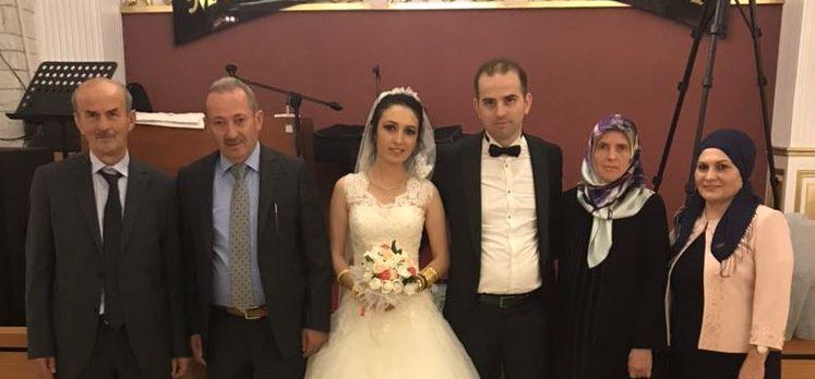 Gebze Milli Emlak Müdürü Meydan Özdemir Kızını Evlendirdi
