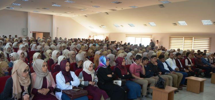 """Dilovası'nda Öğrencilere """"Sağlıklı Beslenme"""" Konferansı"""