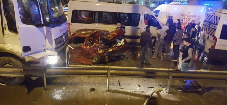 Gebze'de Zincirleme Kaza: 8 Yaralı