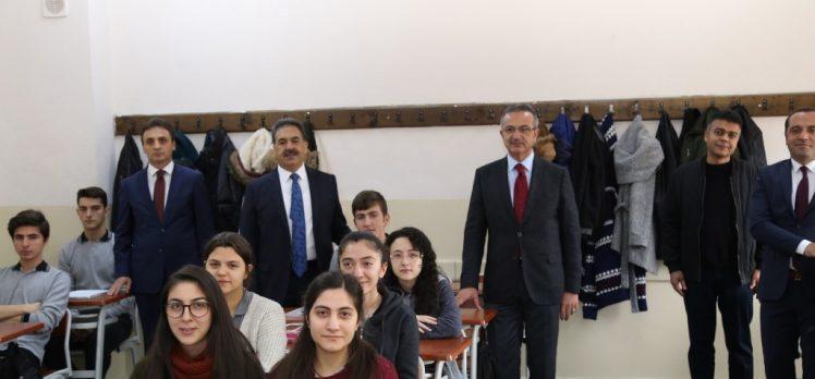 Kaymakam Güler ve Başkan Köşker Anibal Lisesi'nde