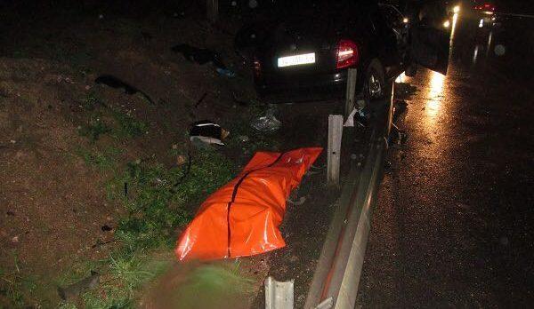 Bariyerlere Çarpan Otomobilde 1 Kişi Öldü!