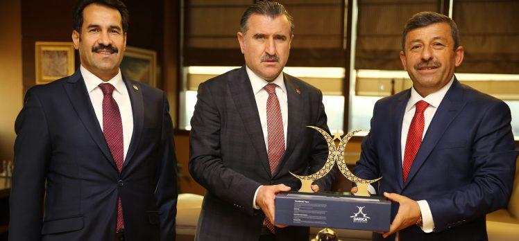 Spor Bakanı Bak Darıca'ya Müjdeyi Verdi