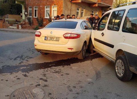 Darıca'da İki Araç Çarpıştı