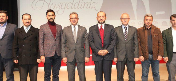 Yalçın Akdoğan'dan Gebze'de  'Liderlik ve Erdoğan' Konferansı