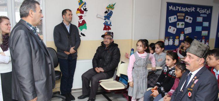 Bilgievi öğrencileri Gazi amcalarıyla buluştu