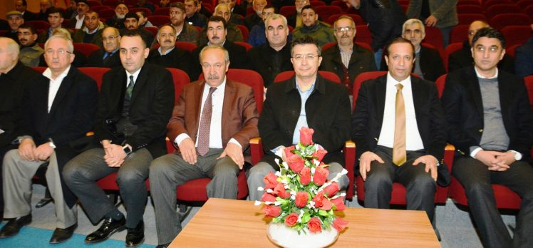 """Çelik'ten Dilovası'nda """"Türkiye ve Ortadoğu"""" konferansı"""