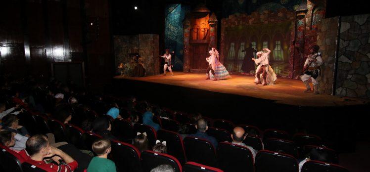 27 Mart Dünya Tiyatrolar Günü kutlandı