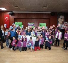 Çocuk Edebiyat Günleri'nin konuğu Şeniz Baş öğrencilerle buluştu