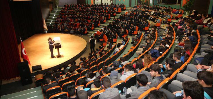 Vakkasoğlu Darıca'da gençlerle buluştu