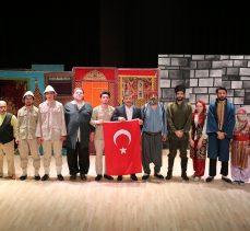 'Dönmeyi Düşünmediler' oyunu Darıca'da sahnelendi