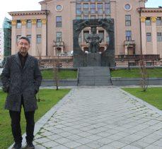 Rıdvan Şükür, Batum'da Çavçavadze'nin anıtını ziyaret etti