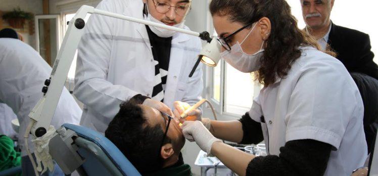 200 Özel Öğrenciye Diş Sağlığı Taraması