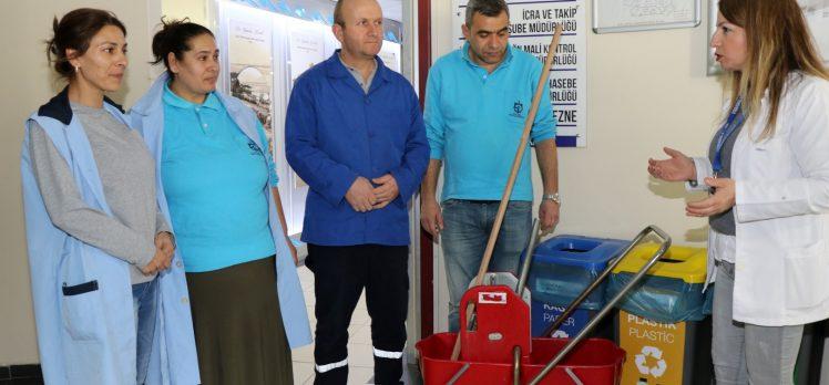 Büyükşehir temizlik personeline koronavirüs tedbirleri eğitimi
