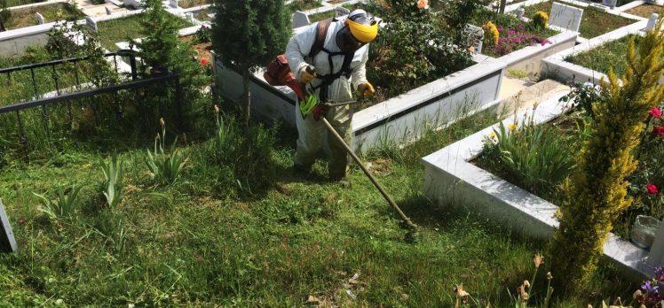 Bayram Öncesi Mezarlıklara Bakım!