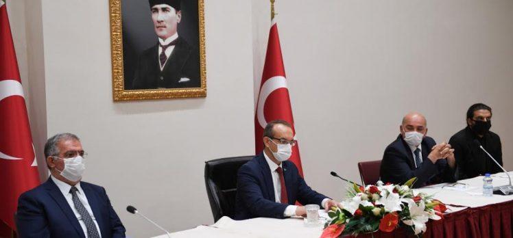 Ahilik Kutlama Komitesi Vali Yavuz'u ziyaret etti