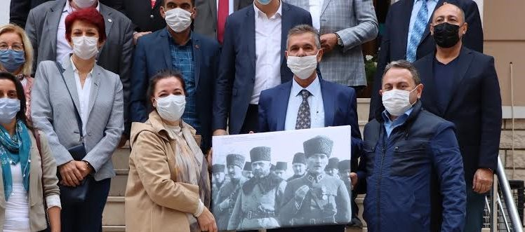 CHP KOCAELİ'DEN MUHTARLAR DERNEĞİ'NE ZİYARET