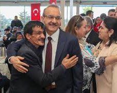 """""""ENGELLİLER BU TOPLUMUN BİR PAÇASIDIR"""""""