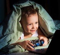 Çocuğun teknoloji kullanımında bu uyarılara dikkat!