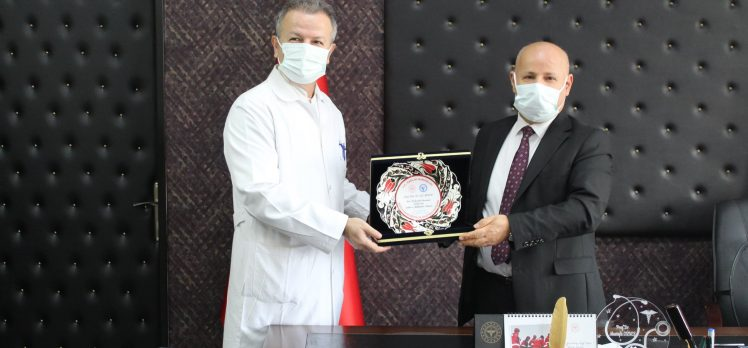 Başhekim Güneş'ten Dr.Zeki Aydın'a Tebrik