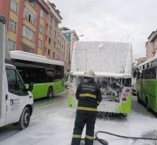 Seyir halindeki belediye otobüsünde korkutan yangın