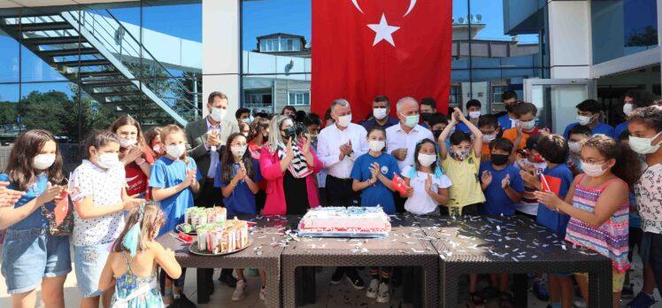 Başkan Büyükakın, Kocaeli Yüzme Kulübü'nün 21. yılını kutladı